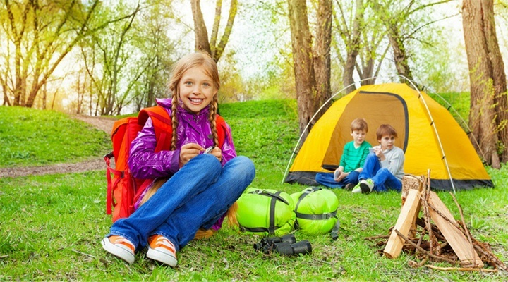 In camping cu copilul – Ce trebuie sa stii despre organizarea vacantei?