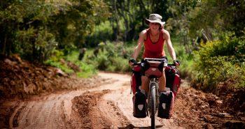 Intr-o vacanta pe bicicleta, ce lucruri nu iei niciodata cu tine?