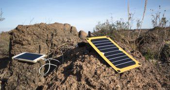 Cu incarcatoare solare sau fara? – In ce imprejurari devin extrem de utile?