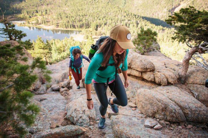Imbracaminte de munte pentru femei – Cum sa fii cool la inaltime?