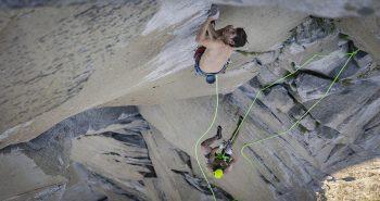Record de catarare | Alex Honnold si Tommy Caldwell escaladeaza El Capitan
