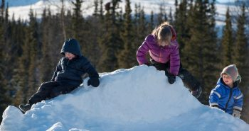 Beneficiile iesirilor pe vreme rece pentru copii exista cu adevarat!