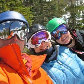 Cum arata cei mai buni ochelari de schi? Ce caracteristici trebuie sa intruneasca o pereche decenta si functionala?
