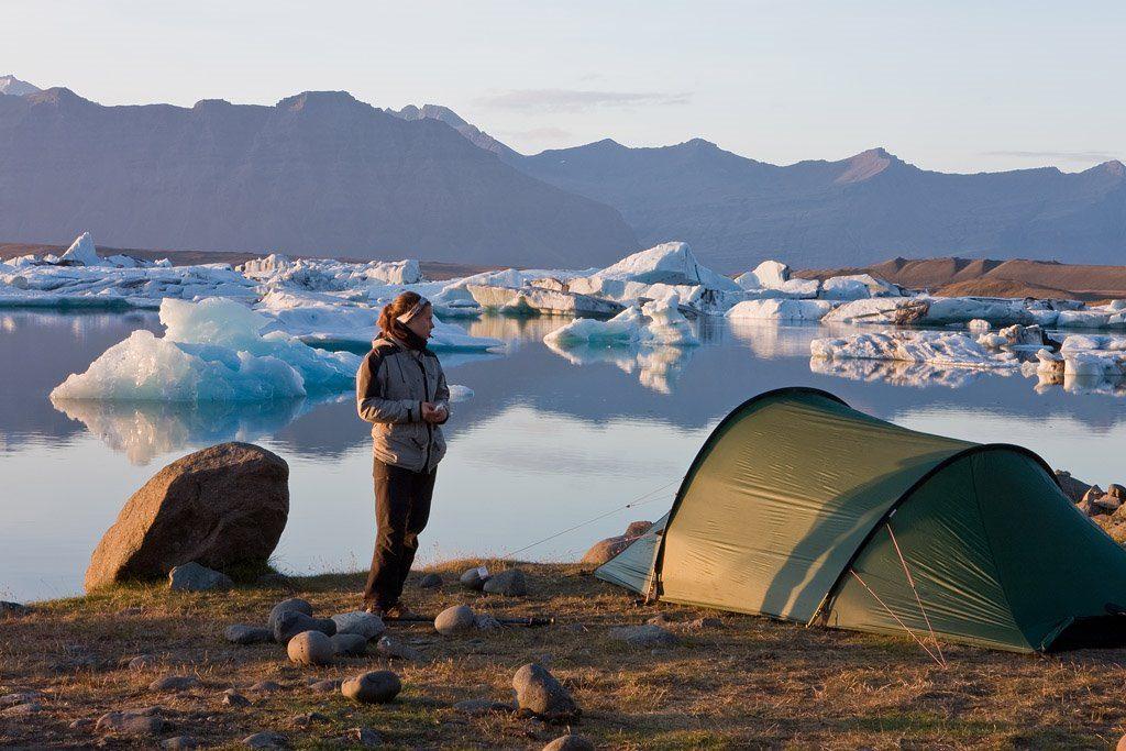 campare la cort - Laguna glaciara Jokulsarlon – Islanda