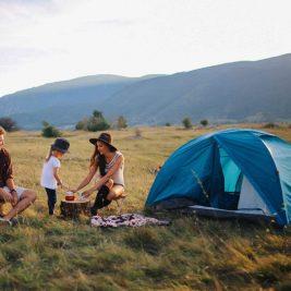 Cele mai cool accesorii de camping si drumetii, pentru aventuri fara griji