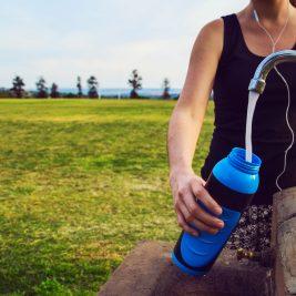 Hidratarea in alergare: Ce variante exista pentru transportul lichidelor?