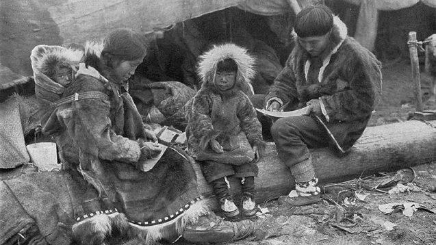 primele geci tip parka - inuit