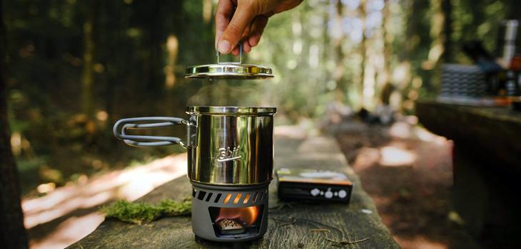 Arzatoare si butelii camping